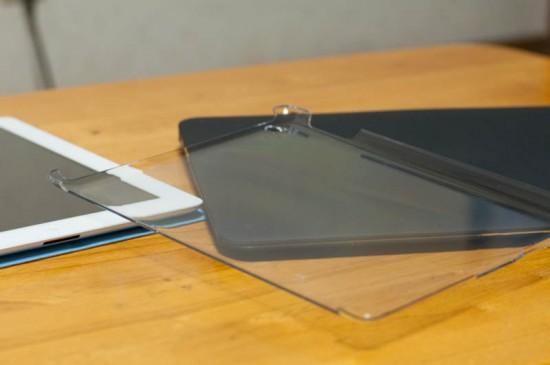 Smart coverと同時に装着出来るiPadケース【Simplism】