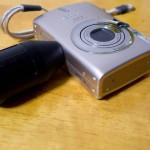 小さくて持ちにくいコンデジを持ちやすくするアイテム